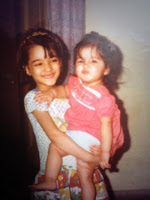 Kriti Sanon Childhood Photo With Sister Nupur Sanon