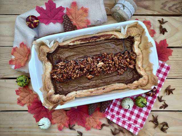 Receta de tarta americana de batata. Sweet potato pie.  Thanksgiving Day traditional recipe. Boniato asado. Nueces caramelizadas. Hojaldre Lidl Cuca