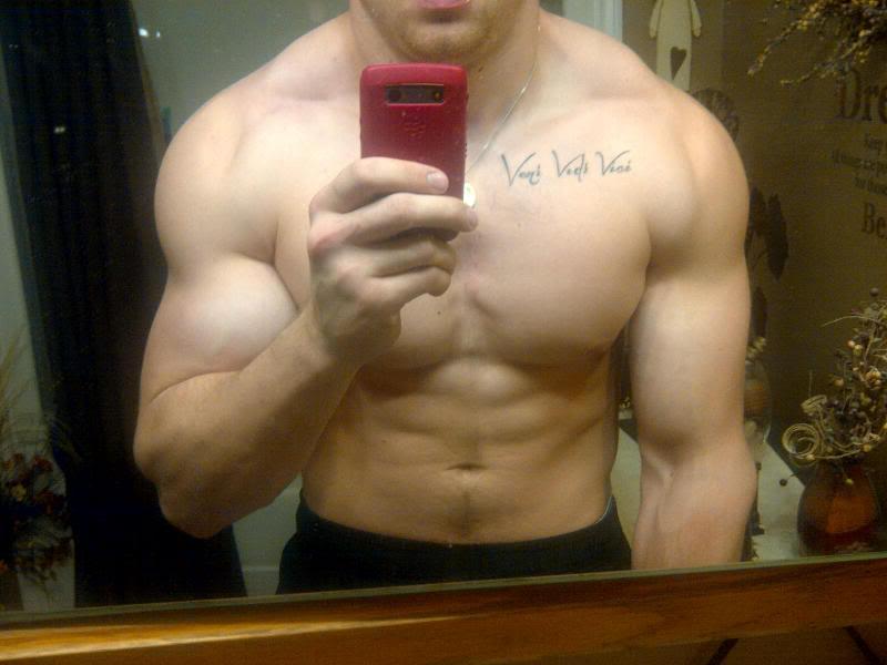 sexy-shirtless-muscle-pecs-hunk-pete-guthro-veni-vidi-vici-tattoo-selfie