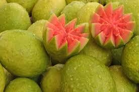 Frutas no quintal: doces e frutas do quintal