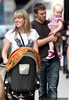 Michael Carrick And Lisa Roughead Daughter With Baby