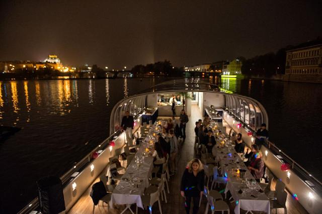 Cruzeiro com jantar romântico em Praga