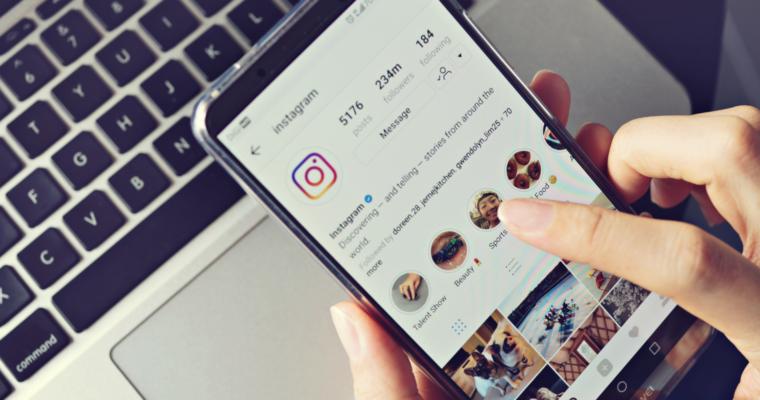 Cara Melihat Siapa Yang Menyimpan Foto kita di Instagram