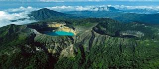 obyek wisata danau kelimutu nusa tenggara timur