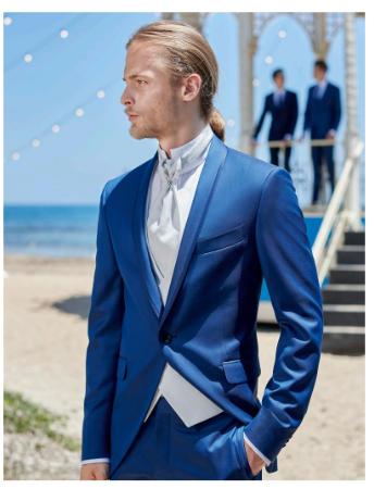 Abito per lo sposo blu