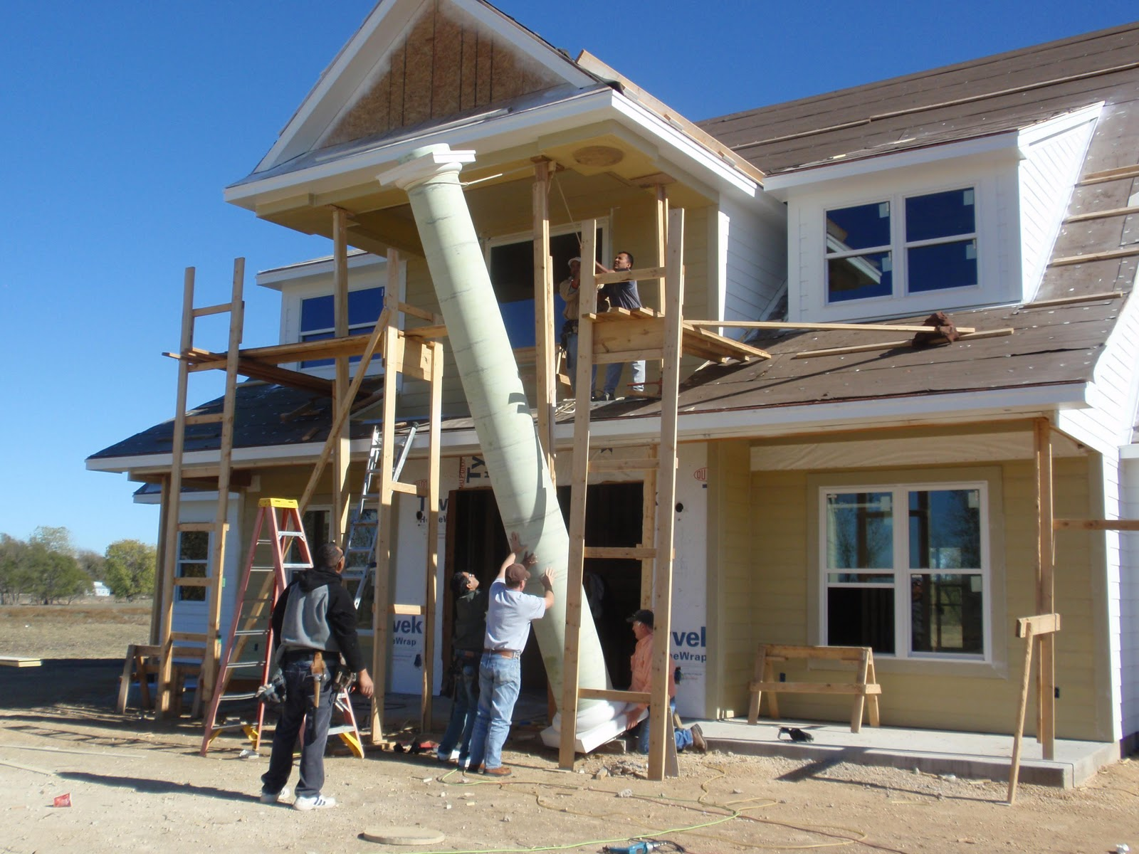 Main Columns Being Set In Front Of The House This Week It Was Quite A Process To Watch And Greg Jordan His Crew Did Great Job Setting Them For