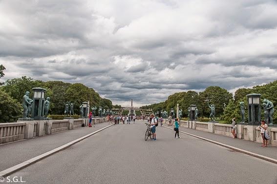 El puente del parque Vigelan en Oslo
