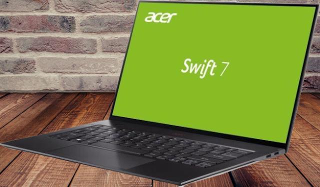 كما هو متوقع ، فإن شركة Acer ذهبت مع عروض إنتل الأقل قدرة ، عائلة Y-series Core. هذه المعالجات المعروفة سابقًا باسم Core M ، يمكن أن تعمل بدون مروحة ولها تصنيف 5W TDP فقط لتبديد الحرارة ولكنها ليست مصاعد ثقيلة للغاية. يستخدم Swift 7 طراز Intel المتطور من السلسلة 8th Gen Amber Lake-Y ، وهو Core i7-8500Y. لا يزال هذا هو وحدة المعالجة المركزية ثنائية النواة فقط مع Hyper-Threading ، وسرعة أساسية تبلغ 1.5 جيجا هرتز ، وسرعة توربو قدرها 4.2 جيجا هرتز.