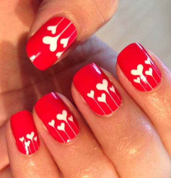 cute nails in red perfect for any wedding