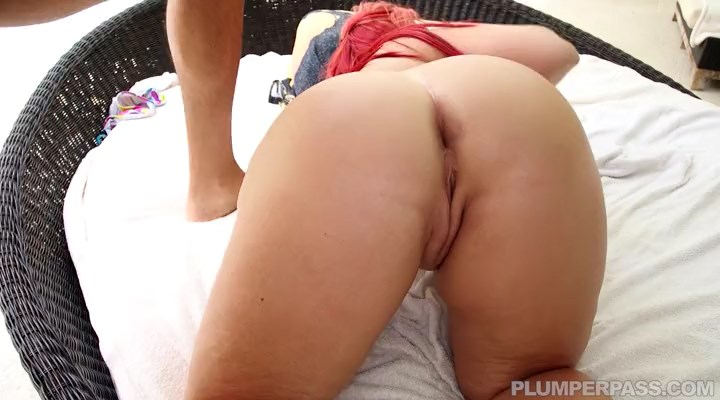 Betty bang in house sitting on dick at plumper pass