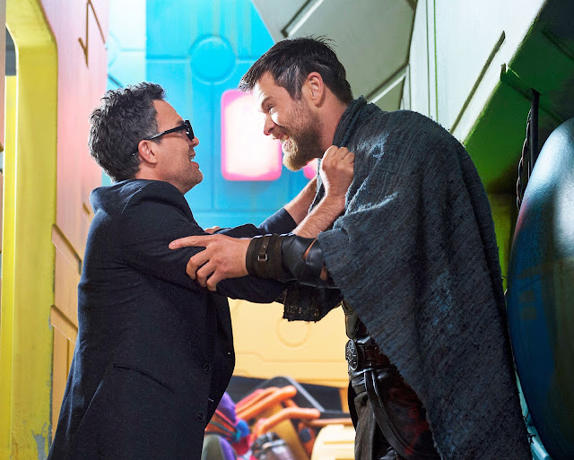 Bruce Banner y Thor se encuentra previo a la gran batalla