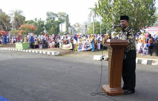 Ratusan Siswa PAUD se-Kab.Lampung Utara Ikuti Karnaval Hari Guru Nasional