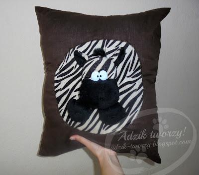 Zebra 2w1 - czyli poduszko-przytulanka DIY