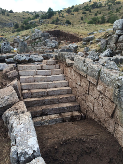 Human burial found in the middle of sacrificial altar at Mt. Lykaion