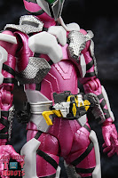 S.H. Figuarts Kamen Rider Jin Flying Falcon 07
