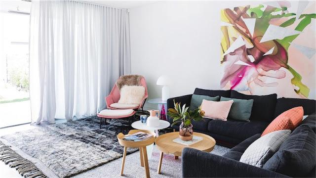 interior decorado con tonalidades azules y rosas chicanddeco