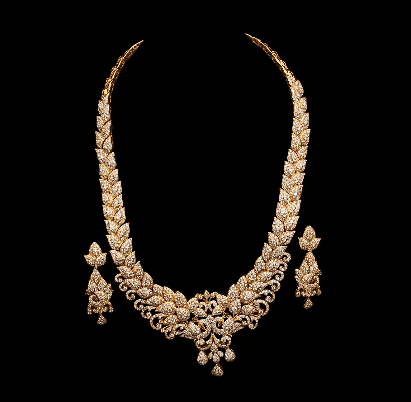 Diamonds Jewellery: Indian Jewellery And Clothing