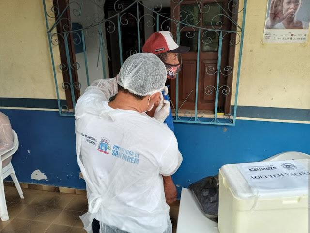 Emoção marca primeiro dia de vacinação contra covid-19, para população em situação de Rua