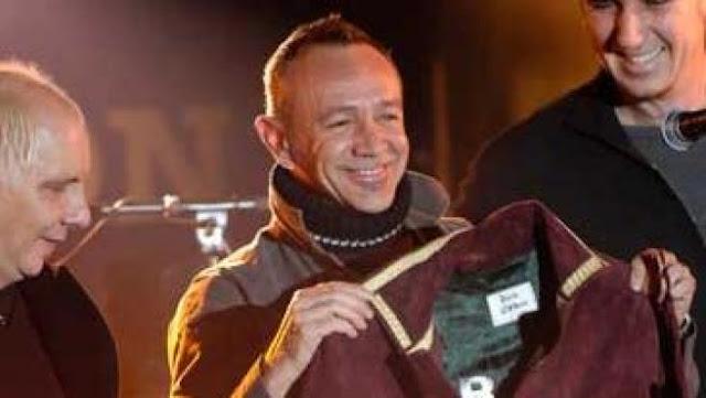 Rafa, del grupo La Unión, cedió una chaqueta que usó en el videoclip 'La casa de los sueños' (1991)