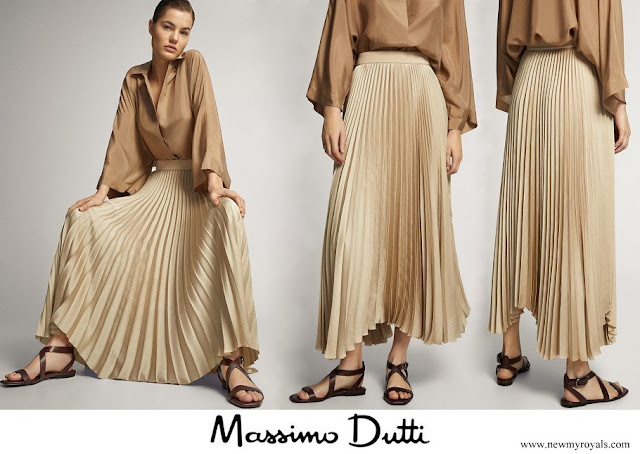 Queen Letizia wore Massimo Dutti Pleated Skirt