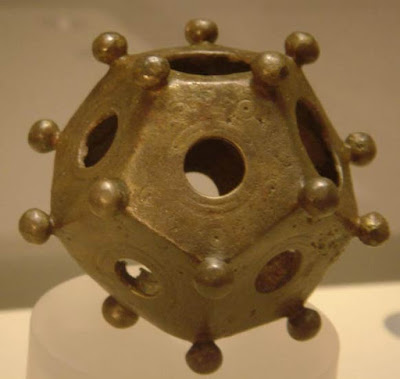Un dodecaedro romano trovato a Bonn, in Germania.