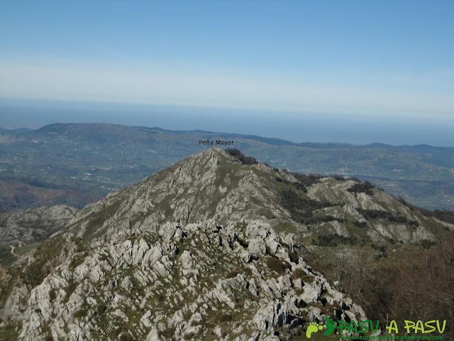 Vista del camino que queda por recorrer hasta Peña Mayor desde Peña Texu