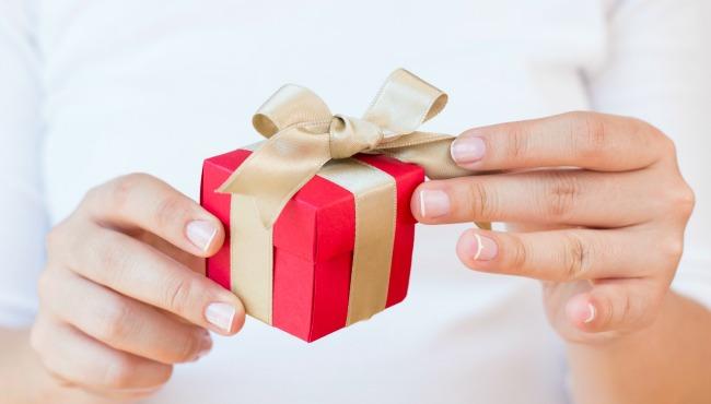 Metade dos consumidores brasileiros deve comprar presente de Natal para si mesmo