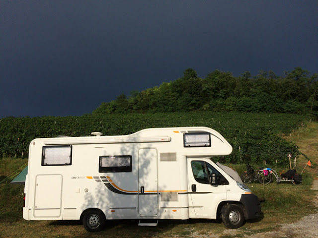 Camping en Bodega Saksida www.caravaneros.com