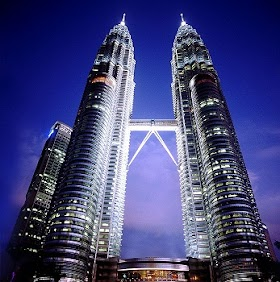 Malaysia 4D3N <br/> Rp 2,500,000