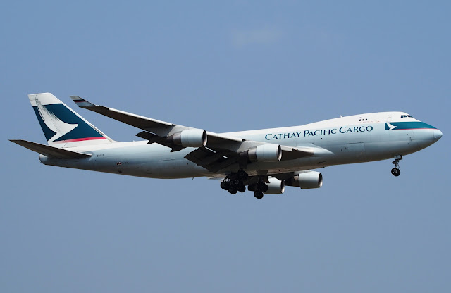 cathay boeing 747-400 freighter