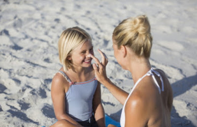 images How to use Sunscreen right at home?