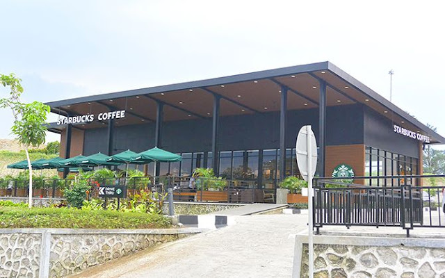 Startbucks di rest area Bawen