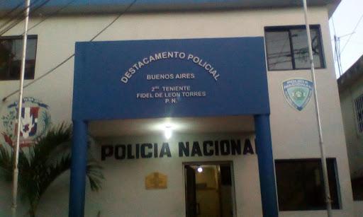 Denuncian continúan cobrando multas a violadores toque queda en Santo Domingo Oeste