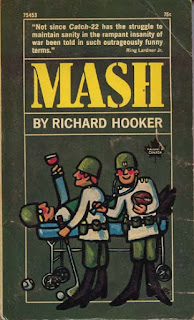 Cubierta del libro MASH: A Novel About Three Army Doctors del médico cirujano y escritor estadounidense: Richard Hooker