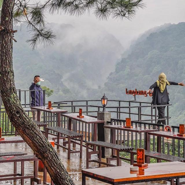 Elji Cafe Lingkung Gunung Bogor Menu, Daya Tarik, Fasilitas Lengkap & Lokasi