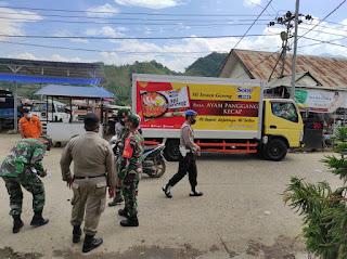 Polsek Baraka Polres Enrekang Bersama TNI Dan Satpol PP Laksanakan Operasi Yustisi Di Jalur Poros Kecamatan Baraka