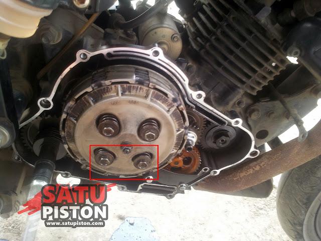 Kampas Kopling Motor Selip Di RPM Tinggi? Cek Per Koplingnya!