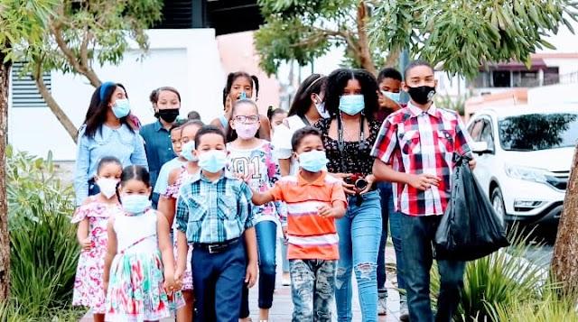 Ayuntamiento Santo Domingo Este juramenta primera Junta de Vecinos Infantil