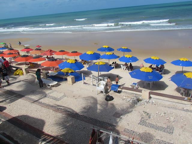 Guarda Sol e barracas na Ponta Negra/RN