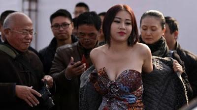 Inilah foto Gadis desa yang punya payudara terindah di dunia