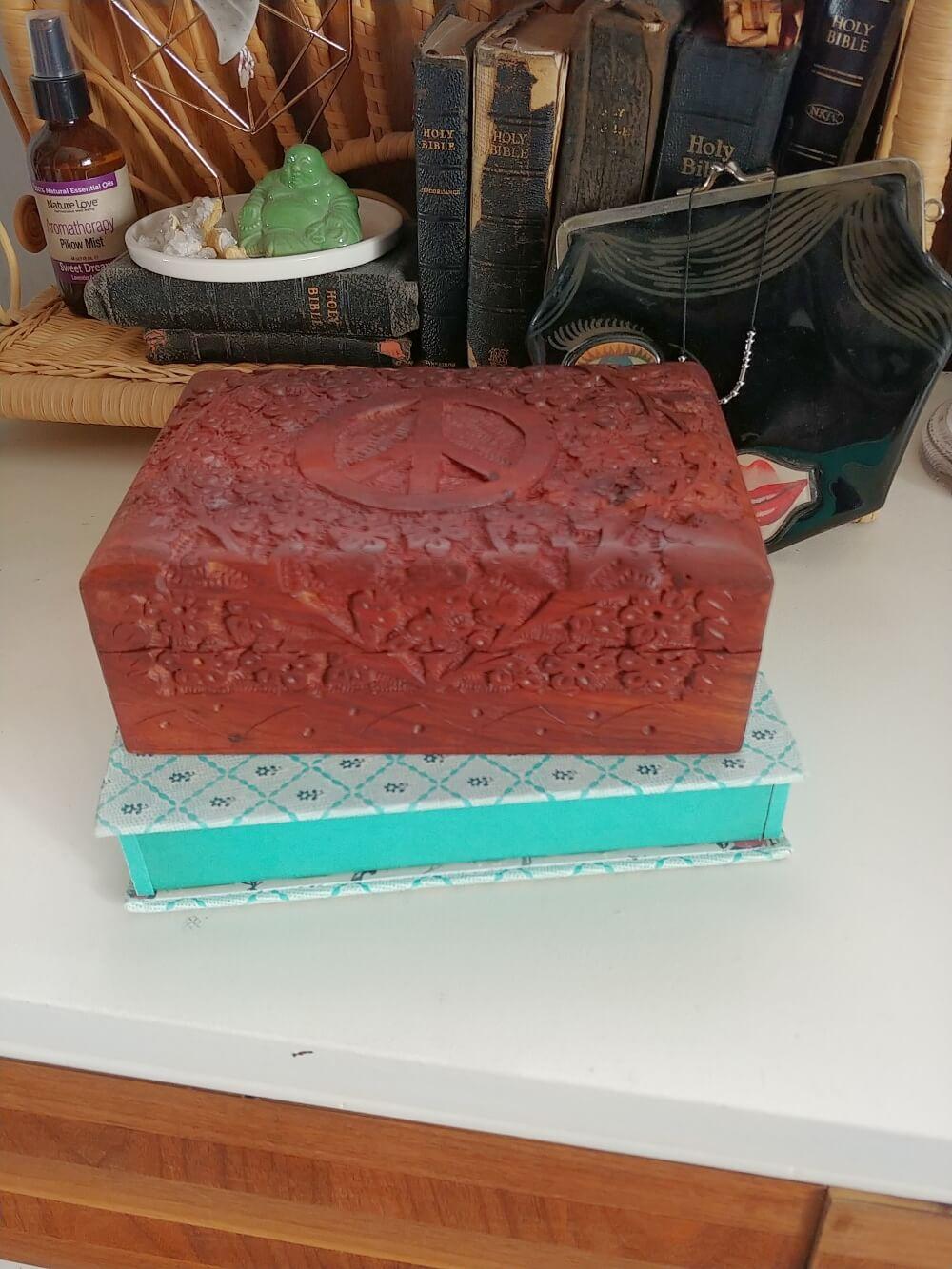 book jewelry box DIY