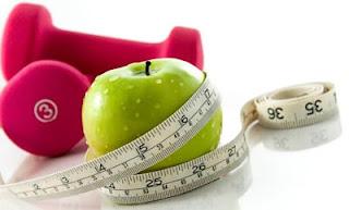 """<img src=""""adelgazar-naturalmente.jpg"""" alt=""""para adelgazar de forma natural, basta con cambiar tus hábitos alimenticios y hacer ejercicio"""">"""