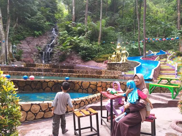 kolam renang anak srambang park ngawi,Menelusuri Srambang Park Sebagai Wonderful Indonesia Di Ngawi, tips datang ke srambang park ngawi, harga tiket masuk srambang park ngawi, alamat srambang ngawi, lokasi srambang ngawi