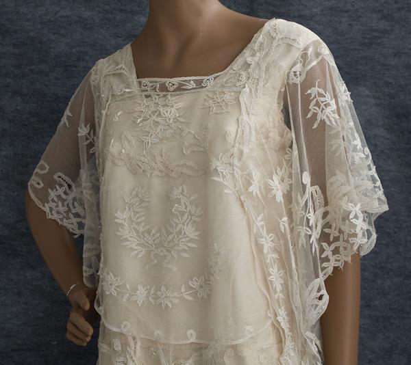 Vintage Wedding Gowns 1920s: Little Winter Bride: Vintage 1920's Lace Wedding Dress