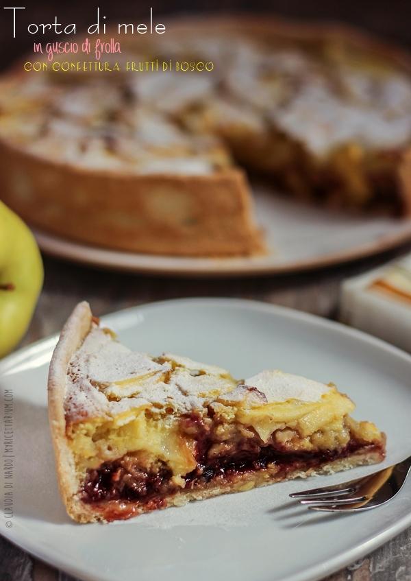 Torta di mele in guscio di frolla con confettura frutti di bosco