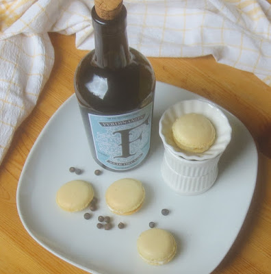 Gin Tonic Macarons