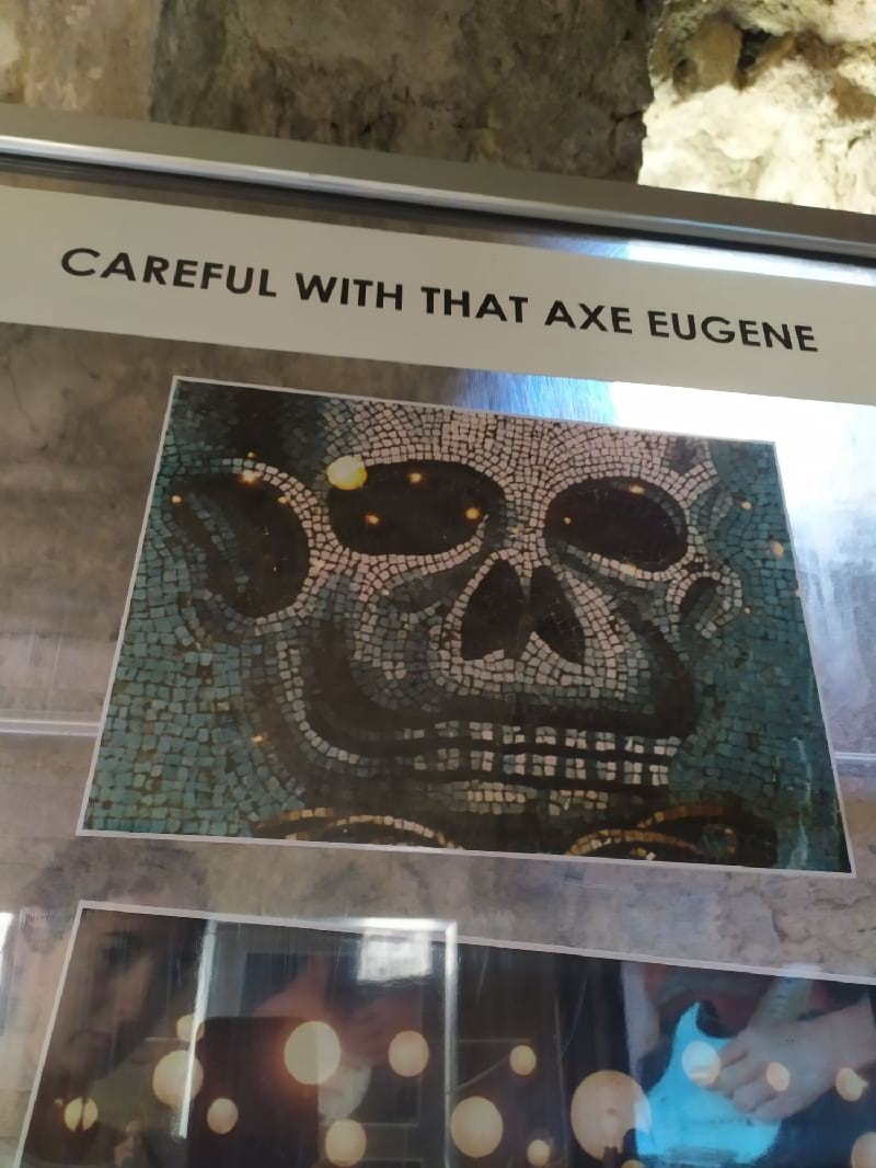 careful with that axe eugene pompeii pink floyd en pompeya
