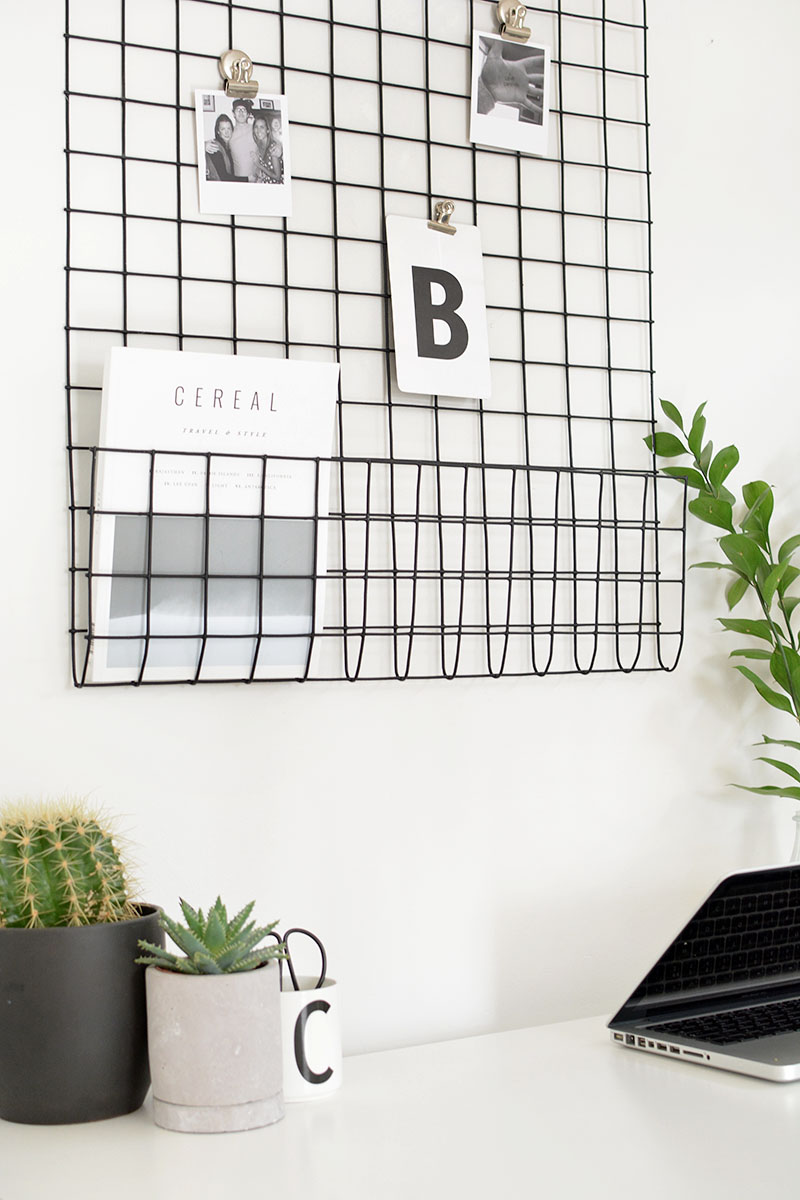 mesh grid photo display