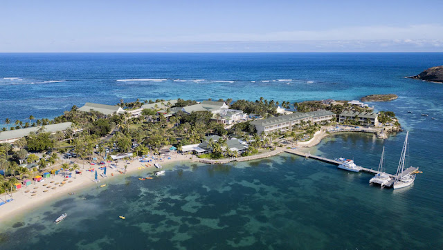 The St. James's Club Antigua All Inclusive exudes a casual, club-like ambience, tucked away on a secluded 100-acre peninsula on the southeastern coast of Antigua.