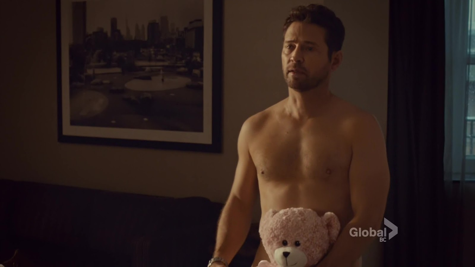 Jason priestley shirtless gay kiss